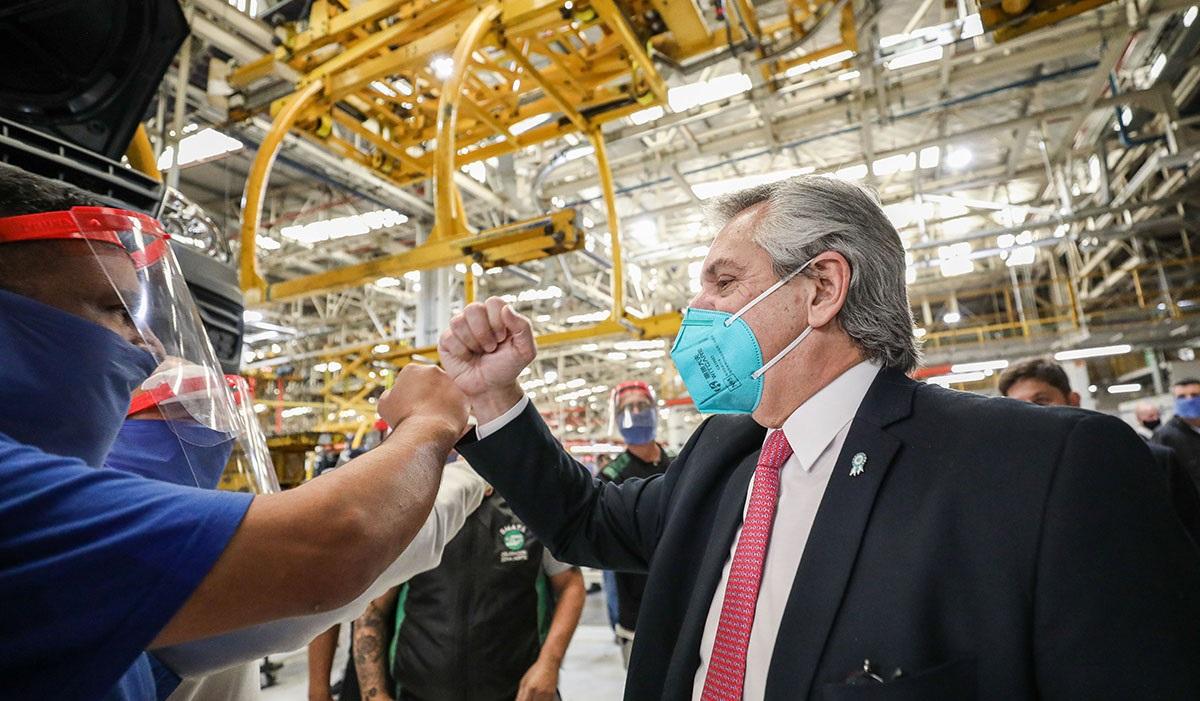 El Presidente participará de la Reunión de Líderes del G20 y visita la planta de Toyota
