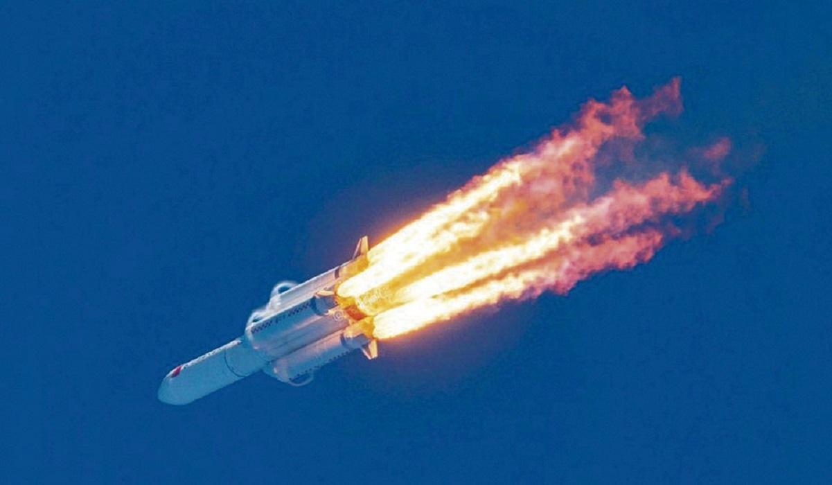 El cohete chino fuera de control se desintegró sobre el océano Índico